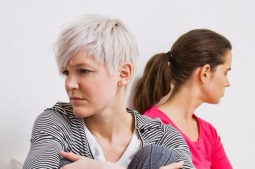 women-arguing-2_orig